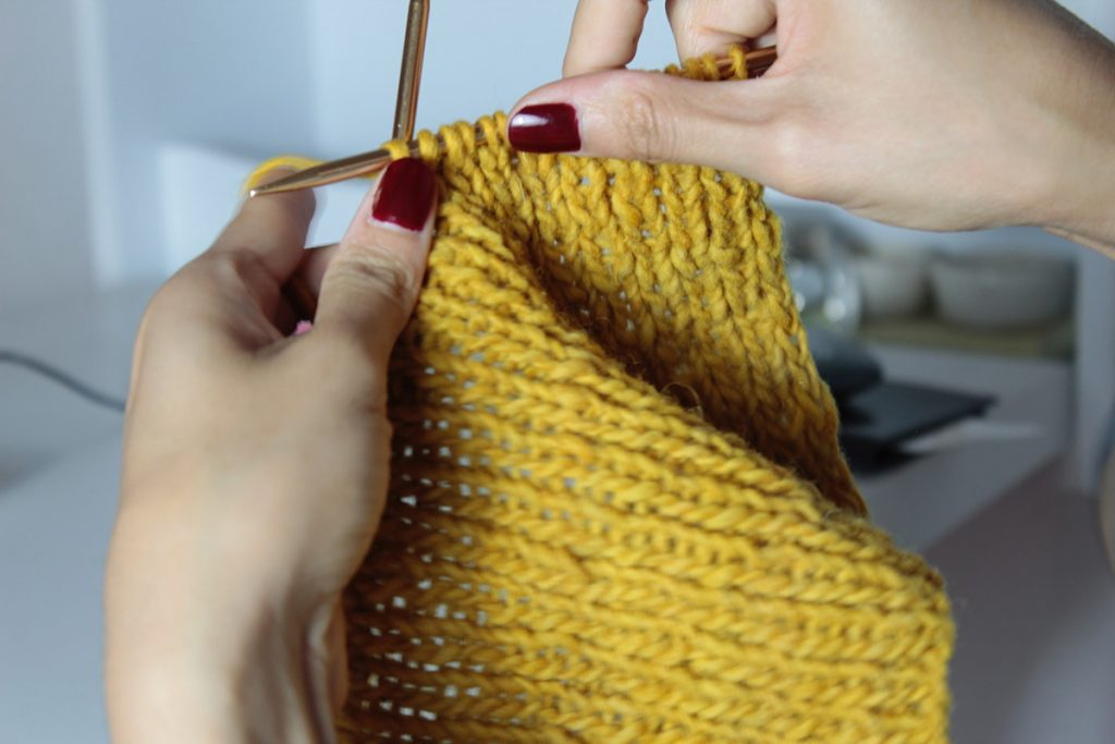 Difference-Between-Crochet-and-Knitting (1)